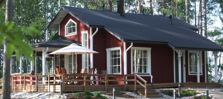 Modernes Insel-Ferienhaus umgeben von wunderschöner Natur